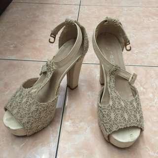 Jrep Cream Heels