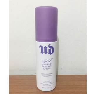 URBAN DECAY : Chill Makeup Setting Spray (Cooling and Hydrating)