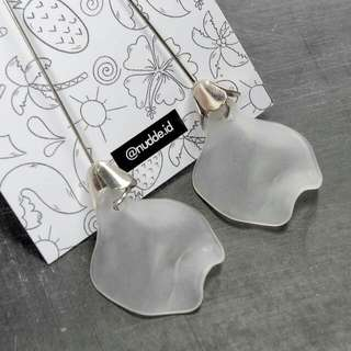GLOMM EARRINGS