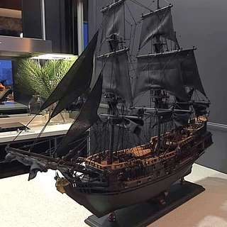 Pirates Of Caribbean  ( Black Ship )