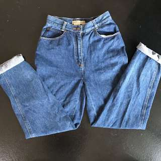 HIGHWAISTED MOM JEANS SIZE 24