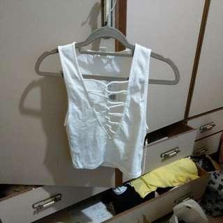 白色無袖短版上衣