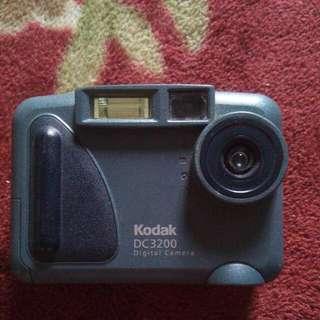 Kodak Digital Camera DC3200 Antique