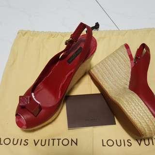 🚚 Authentic Louis Vuitton Shoe