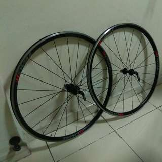 Oval Concepts 327 Wheelset (11 Speed)