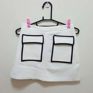 🚚 前立體口袋造型彈性窄裙