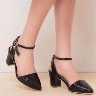 Airspace黑色尖頭低跟鞋