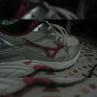 Repriced !Mizuno Pink running shoes