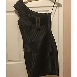 BCBG MAXAZARIA Dress Size 4