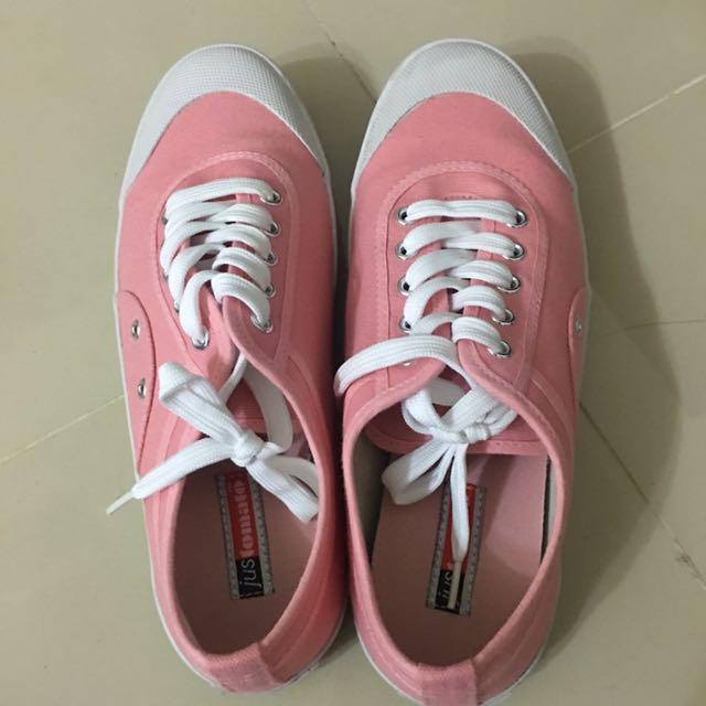 粉紅色平底鞋