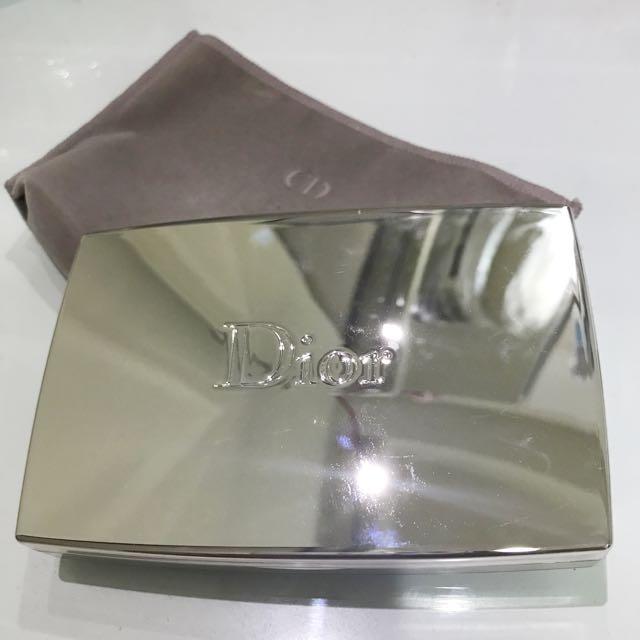 Dior逆時完美粉餅(色號011)