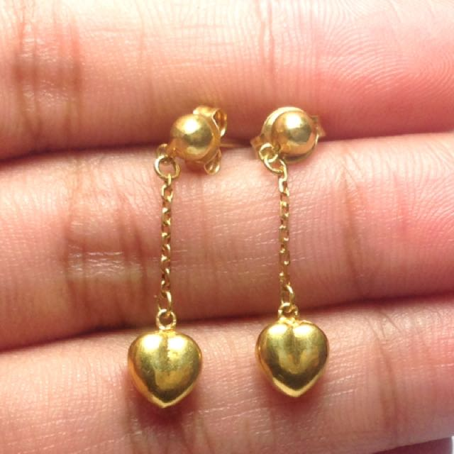 Authentic and Pawnable 18k Saudi Gold Earrings