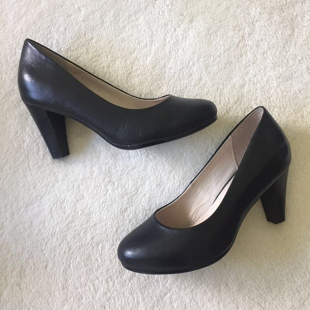 Betts Black Heels