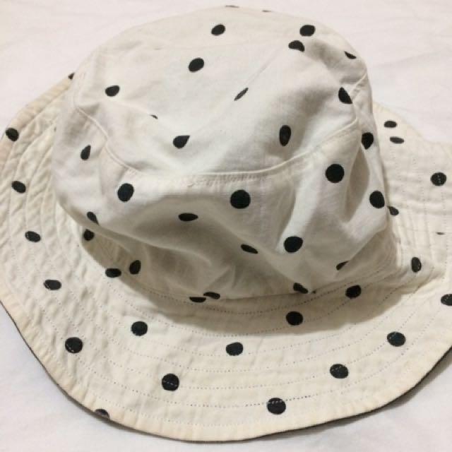 Bucket Hat White Polka