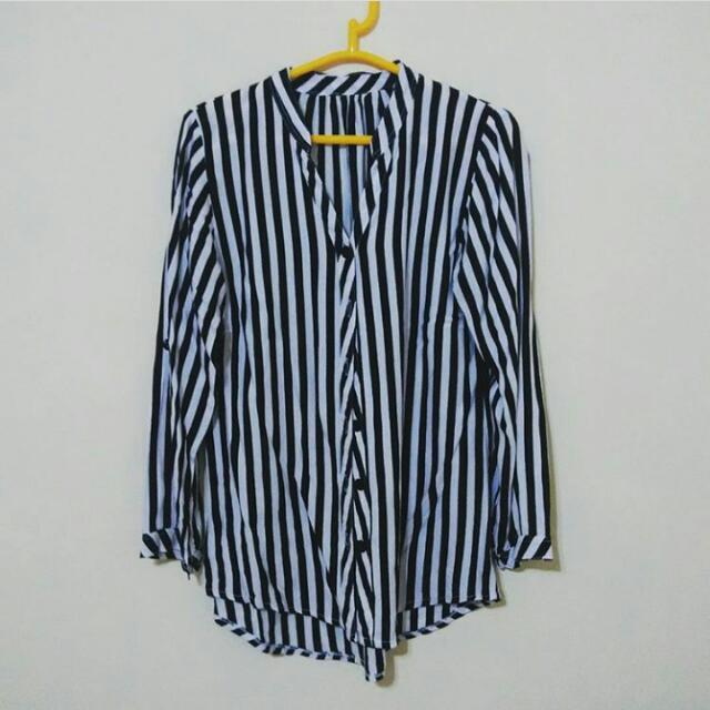 BW Stripes Top