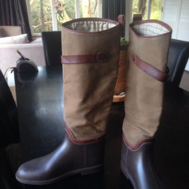Chloe Gum Boots