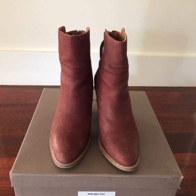 Country Road Boots Size 37