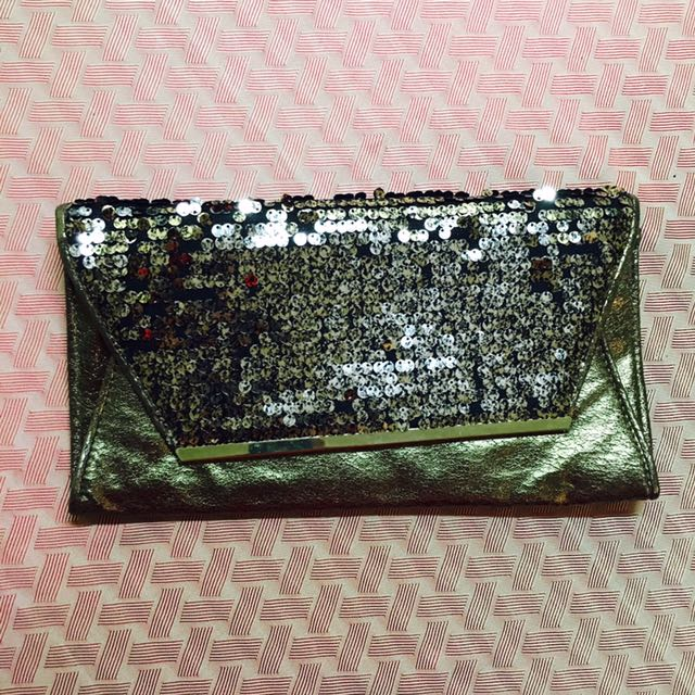 DOROTHY PERKINS Gold-sequined Envelope Clutch