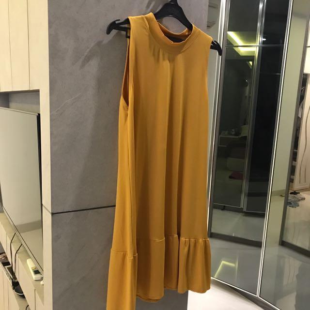 Dress Turtleneck Mustard
