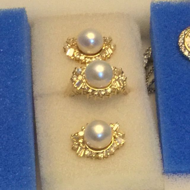 Fresh Water Pearl With Diamonds Ring And Earrings Set