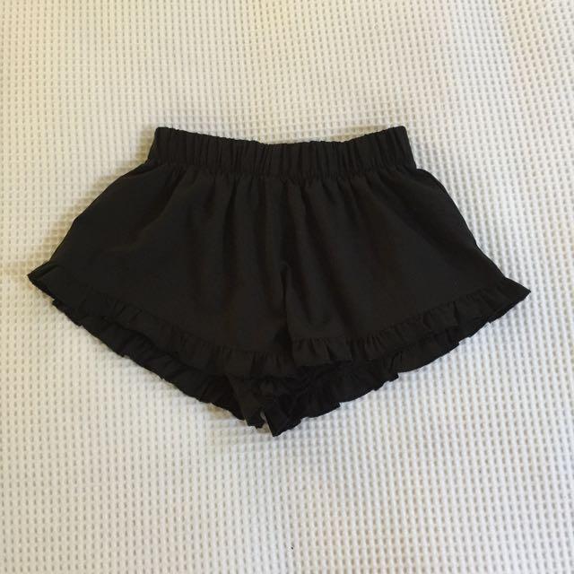 minkpink frill shorts
