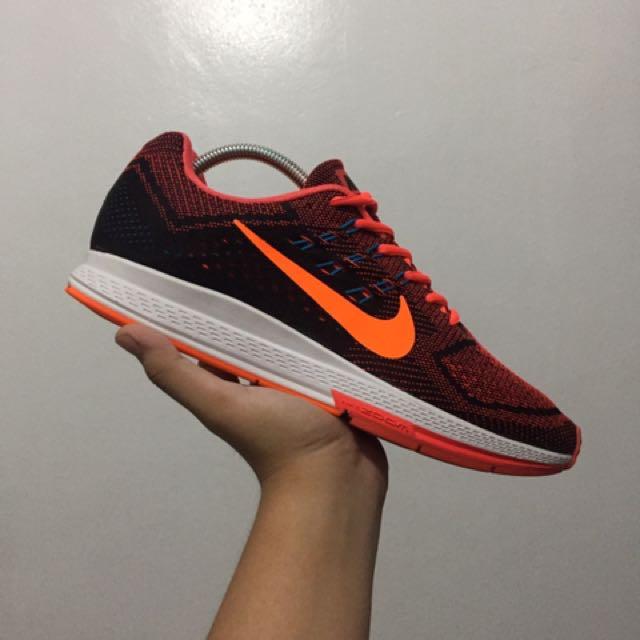 Nike Zoom Air 18