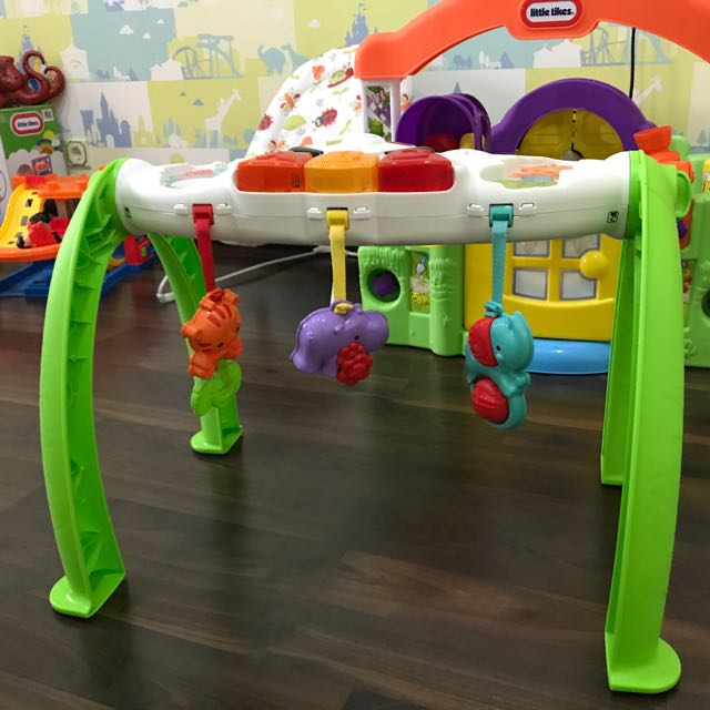 Preloved Fisher Price Grow With Me Gym