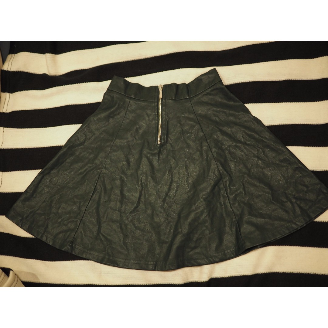 Pull&Bear faux leather olive green skate skirt