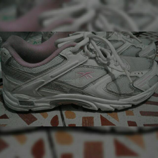 Reebook running shoes Pink/white