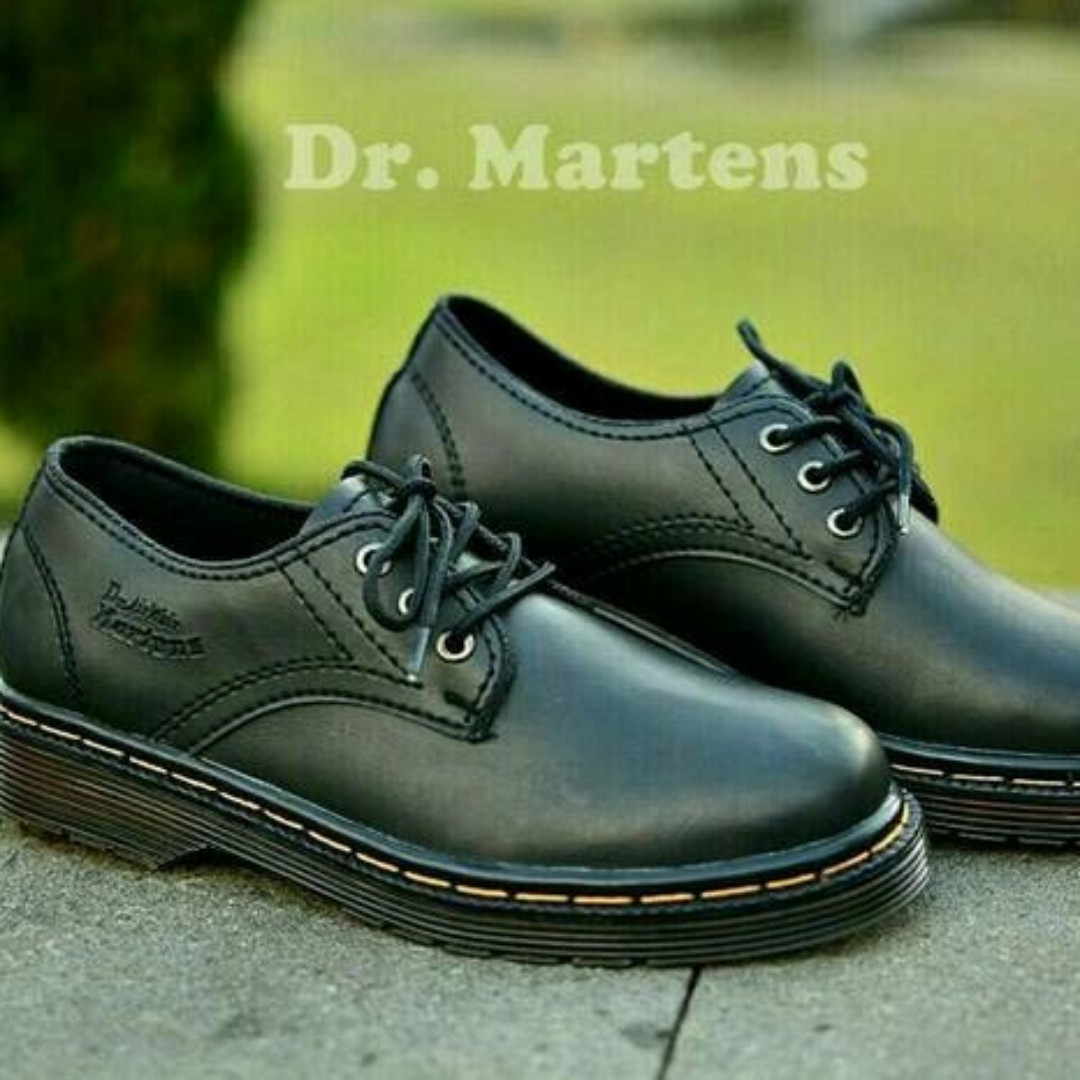 Salee Sepatu Pria Low Boots Rocker Premium Docmart Diskon, Men's Fashion, Men's Footwear, Boots on Carousell