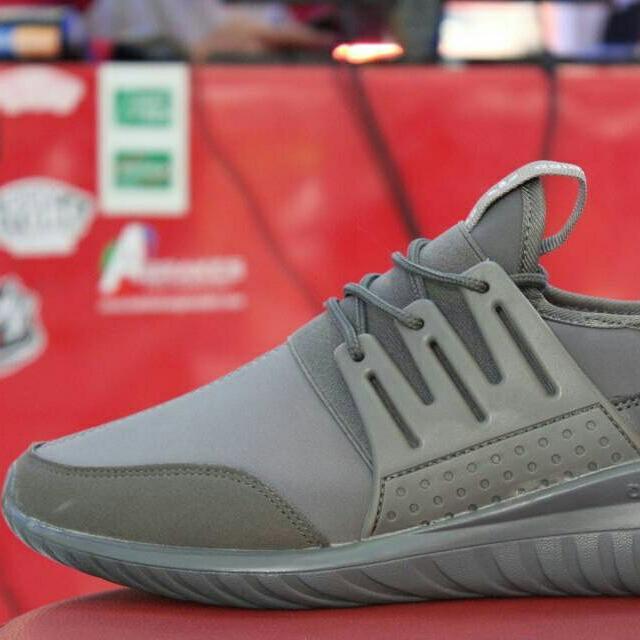 Sepatu Adidas Premium Import