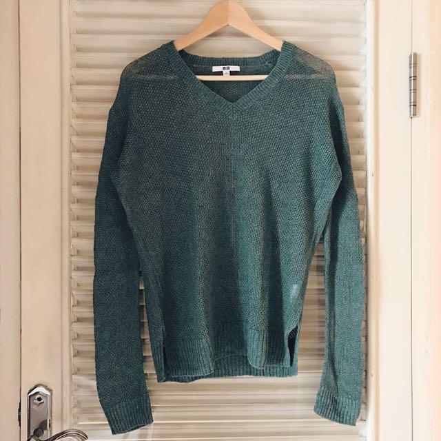 UNIQLO Green Sweater