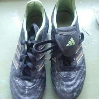 Good Condition Adidas Cleats W7.5