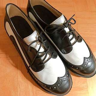 Black & White all-leather Brogues / Oxford Shoes