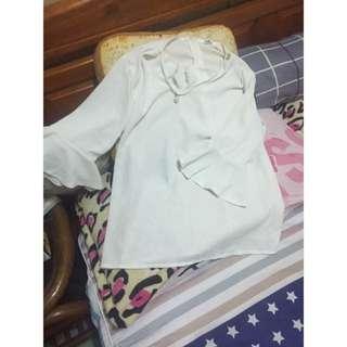 👕薄紗喇叭袖上衣#女裝五折出清