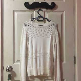 Uniqlo White Sweater (Large)