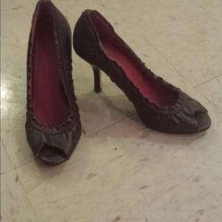 Heels Size 6