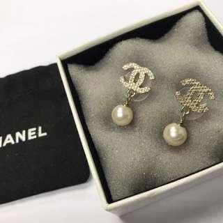 CHANEL 珠耳環