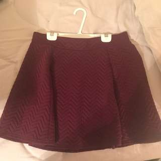 H&M Textured Burgundy Skirt