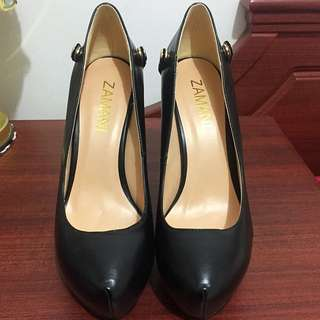 Black Leather Pump Heels Size 39