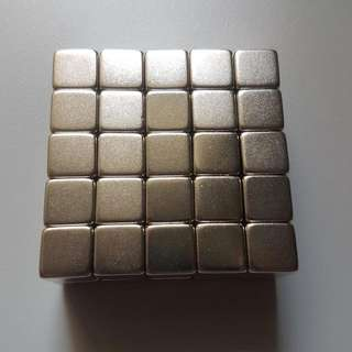 Very Very Strong N35 Cube Magnets - 10x10x10mm (1cm / 10mm cube) - Neodymium Industrial Educational Experiment