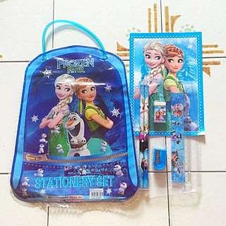 Frozen Goodie Bag With Stationery Set
