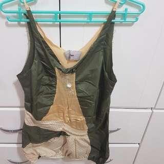 ⬇繼續五折#女裝五折出清  不可能撞衫人體地圖viga設計師造型上衣