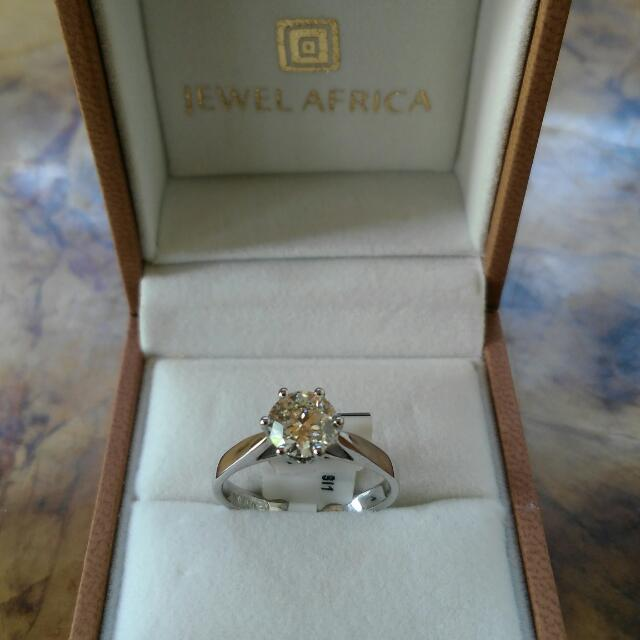 1 CARAT WHITE GOLD DIAMOND RING