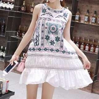 刺繡民宿風洋裝