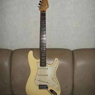 Fender Stratocaster Made In US, Fender Strato Made In Mexico And Bunny Made In US Vintage Guitars
