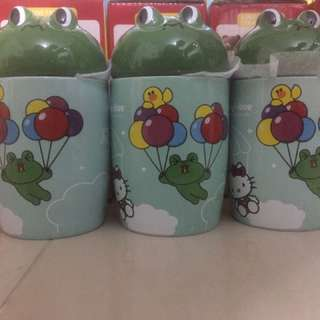 Clearance sales 7 eleven Leonard Mug Selling at S$15 for three