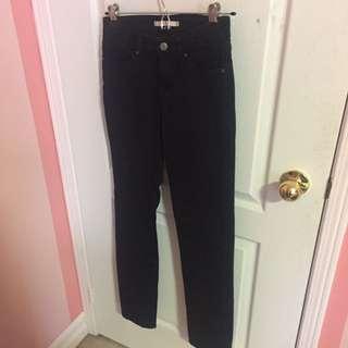 Levis 712 Black Skinny Jeans