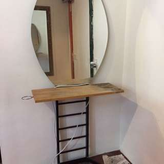 Dressing Table With mirror. Saiz Height 9.5 Ft & Wide 2.6 Ft