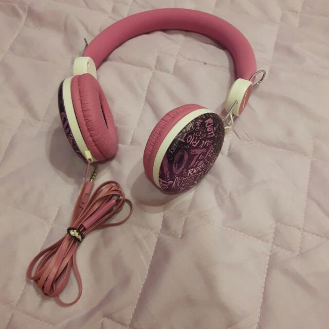 時尚粉色耳罩式耳機